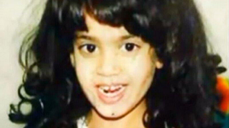 Qui est cette petite fille à l'épaisse chevelure?