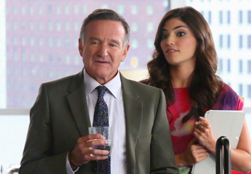 Qui donne la réplique à Robin Williams dans le film Les deux font la 'père'?