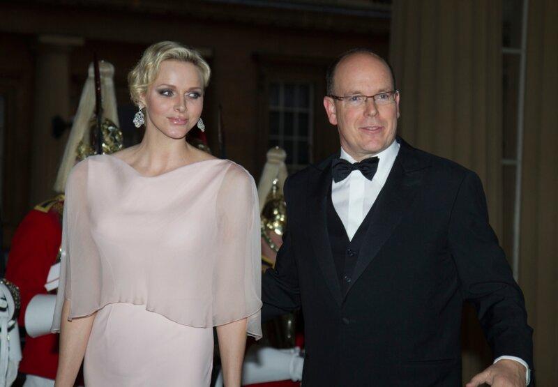 Comment Charlène et Albert de Monaco ont-ils occupé leur première soirée commune en 2001?