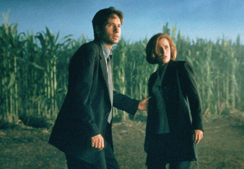 Quels acteurs devenus célèbres entre temps ont fait une apparition dans les épisodes originaux de X-Files?