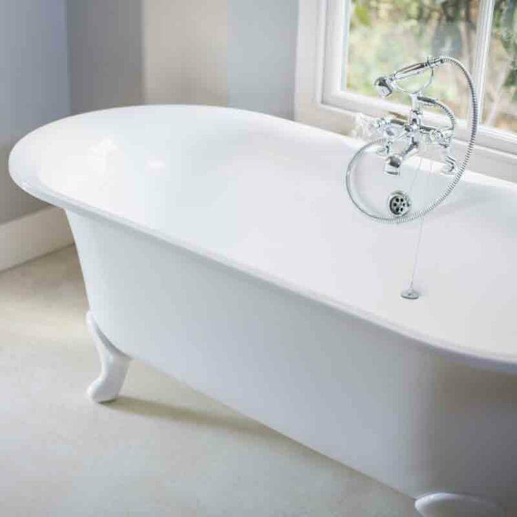 baignoire a bulle trendy tout savoir sur la baignoire balno with baignoire a bulle excellent. Black Bedroom Furniture Sets. Home Design Ideas